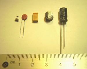 Keraamilised (0603, 1206, ketta kujuline), tantaalium (D pakk) ja elektrolüüt kondensaatorid